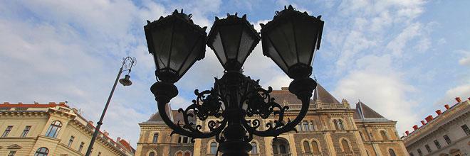 фонарь на проспекте Андраши, Будапешт, Венгрия. гид по Будапешту