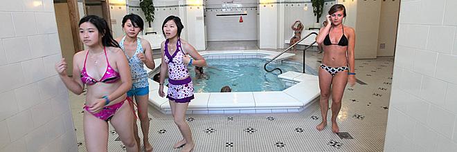посетительницы купален «Сечени», Будапешт. гид по Будапешту